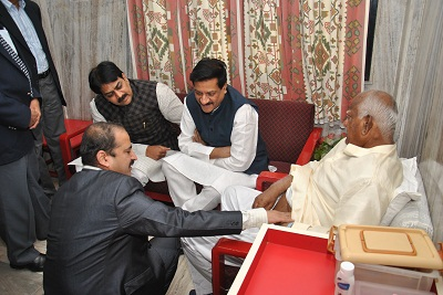 Madhukarrao Chavan operated by Dr Shashank Shah , Prithviraj Chavan ,Harshvardhan Patil with Dr Shashank Shah